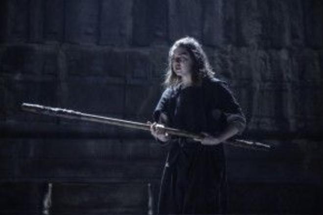 Thị lực đã trở lại với Arya.