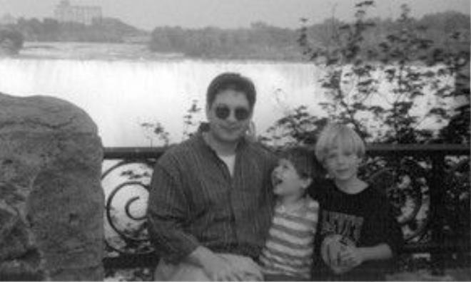 Tim, Alex và người bố điệp viên KGB nằm vùng nhiều năm tại Mỹ