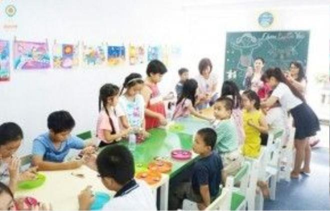 Không phủ nhận lợi ích của nhiều hoạt động ngoại khóa mùa hè, nhưng nếu kín hè chỉ học ngoại khóa thì nhiều trẻ em bị học quá tải