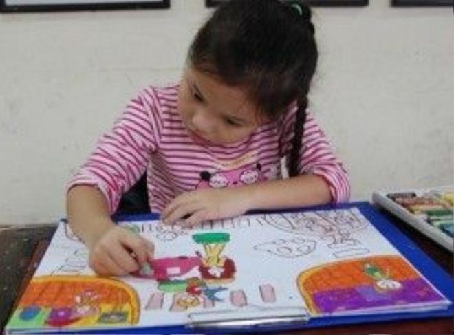 Trẻ em chưa đến kỳ nghỉ hè, nhưng nhiều phụ huynh đã sốt sắng lên lịch cho con em mình học thêm nhiều môn năng khiếu