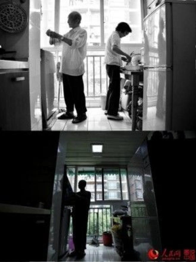Căn bếp nhỏ giờ chỉ còn ông lẻ loi, đơn chiếc. Góc chụp ngược sáng khiến hình ảnh của cụ ông càng trở nên cô độc khi vắng bóng người vợ hiền.