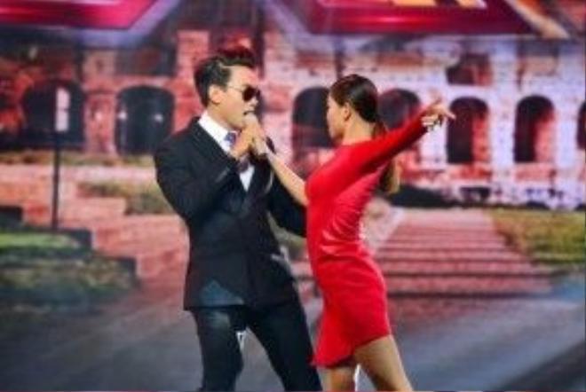 Trần Minh Dũng đã có phần trình diễn tự tin trên sân khấu.