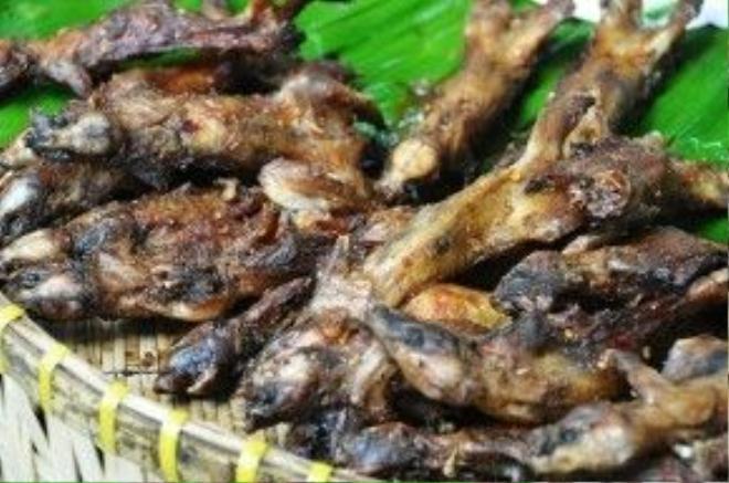 Chuột đồng Đồng Tháp nướng muối ớt.