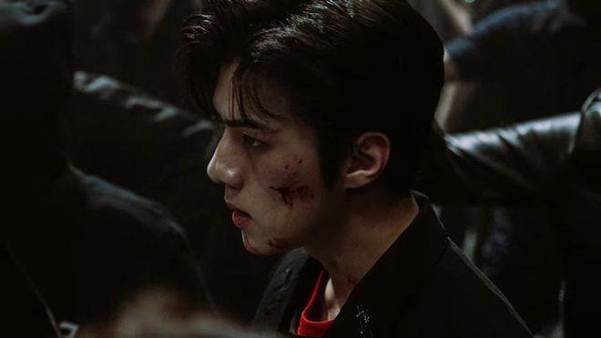 Vừa ra mắt, MV teaser 'máu me' của EXO đã làm nghẽn kênh Youtube nhà SM ảnh 1