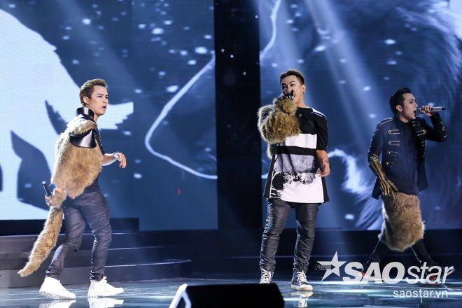 F.O.E. thăng hạng phong cách với trang phục sói tại live show đầu tiên ảnh 2