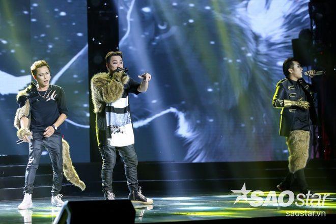 F.O.E. thăng hạng phong cách với trang phục sói tại live show đầu tiên ảnh 3