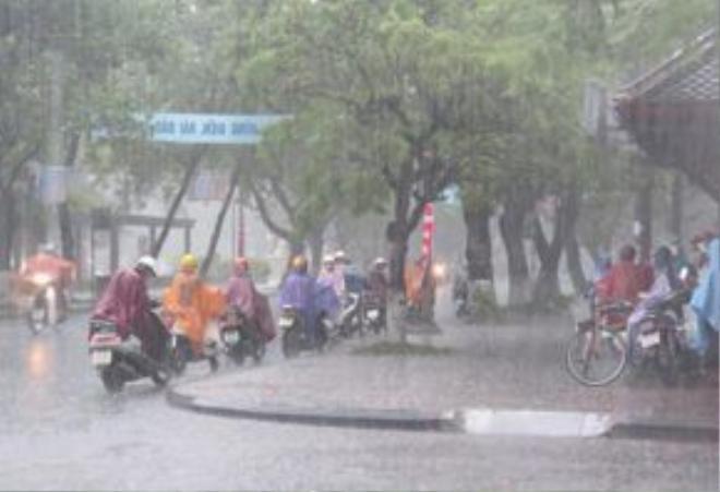 Nắng nóng tạm chấm dứt, Bắc Bộ có mưa giông