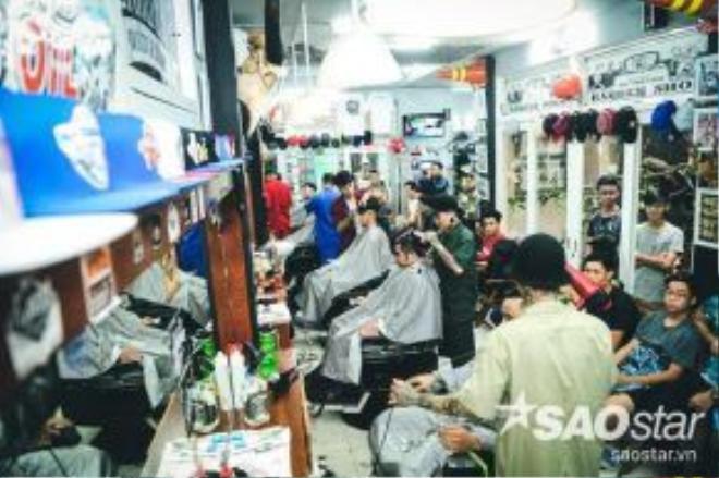 Toàn cảnh Barber shop.