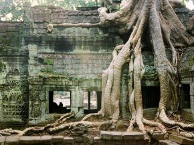 Đền Angkor, Campuchia: Khu đền khổng lồ này từng được nhiều báo, tạp chí lớn trên thế giới bình chọn là điểm đến tuyệt vời, với những công trình kiến trúc mang đậm dấu ấn lịch sử.