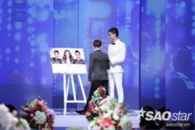 Cuối chương trình, các khách mời đã cùng nhau bỏ phiếu bình chọn cho đội thắng cuộc.