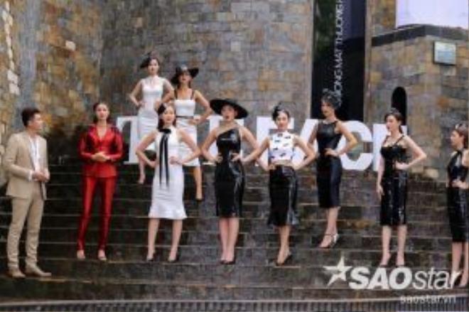 Với sự cố gắng cũng như những bước đi mạnh mẽ, tự tin nhất, Thu Hiền là thí sinh chiến thắng thử thách tuần này.