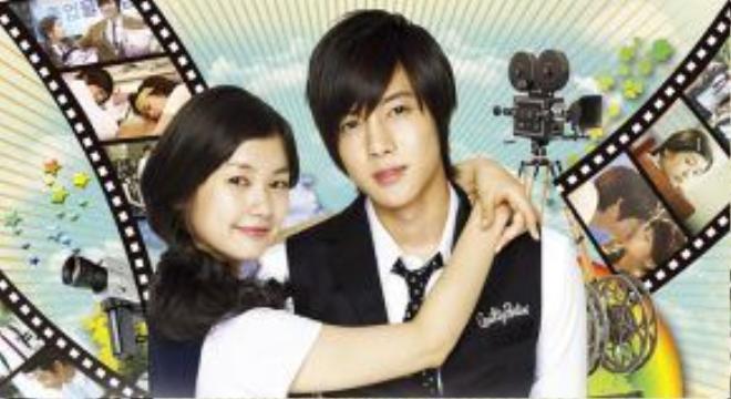 """""""Playful Kiss"""" của Hàn Quốc - Baek Seung Jo (Kim Hyun Joong đóng) và Oh Ha Ni (Jung So Min đóng). Tuy nhiên phiên bản Hàn Quốc được khán giả kì vọng lại không mấy thành công như dự kiến."""