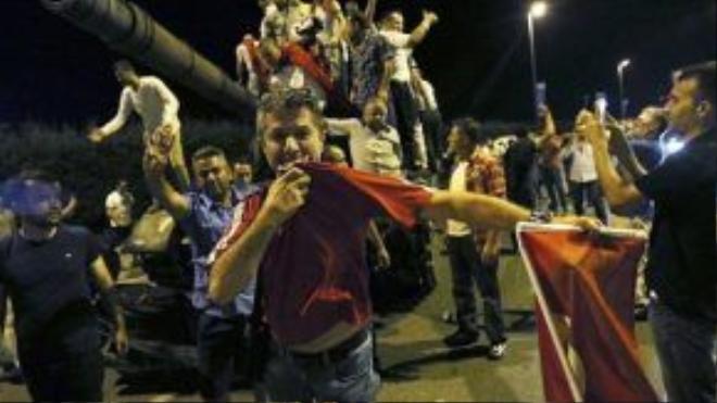 Cuộc đảo chính ở Thổ Nhĩ Kỳ diễn ra hoàn toàn bất ngờ