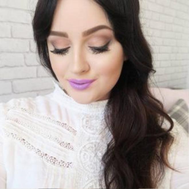 Tender Lilac là sắc tím pha trắng lạnh và tất nhiên, đây không phải điểm đến cho những cô nàng chỉ thích được an toàn