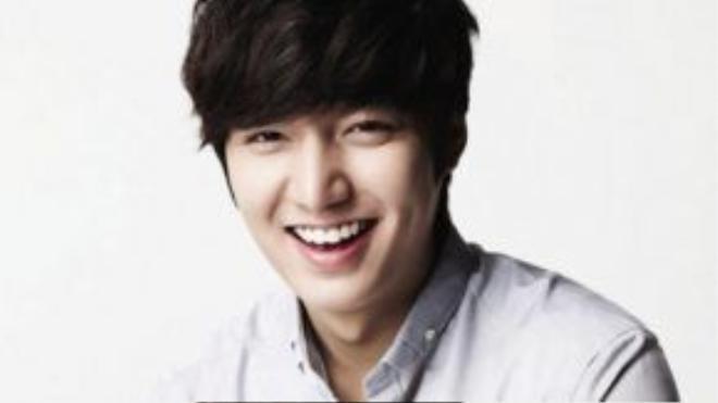 Lee Min Ho dễ dàng ghi điểm với nụ cười rạng rỡ cùng lúm đồng tiền dễ thương
