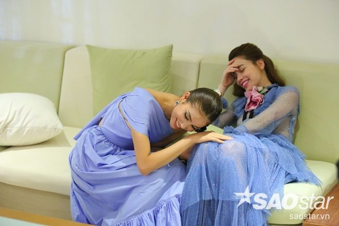 Cô liên tục diện những chiếc váy xa xỉ trong tập 4 The Face Việt Nam, thiết kế Ruffled tulle gown này có giá lên đến 7.900 USD (khoảng 174 triệu đồng).