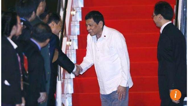 Ông Duterte đã gây hấn với tổng thống Mỹ, một đồng minh thân cận với Philippines, ngay trước khi tới Vientiane Lào. Ảnh: EPA