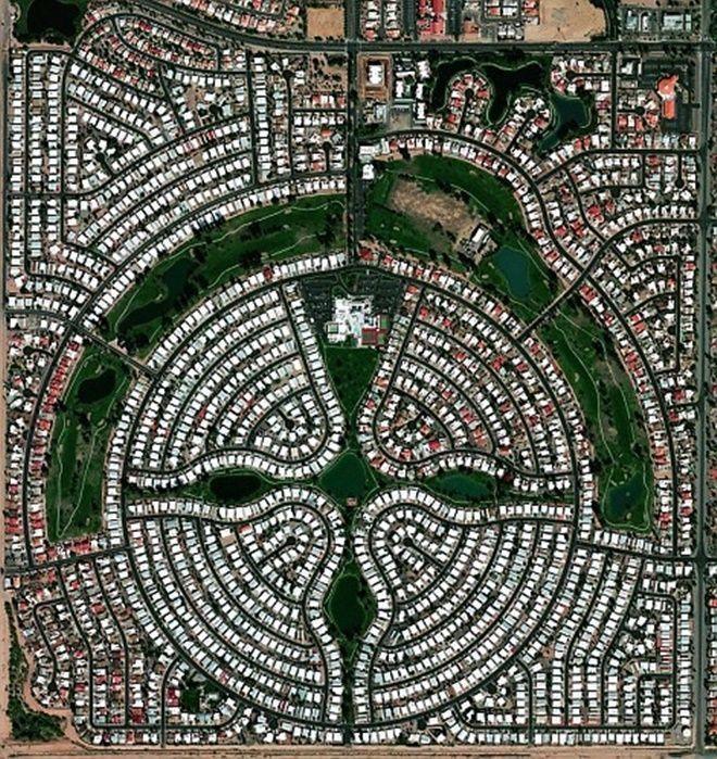 Vùng Sun Lakes, Arizona, Mỹ có dân số xấp xỉ 14.000 người, chủ yếu là người cao tuổi.