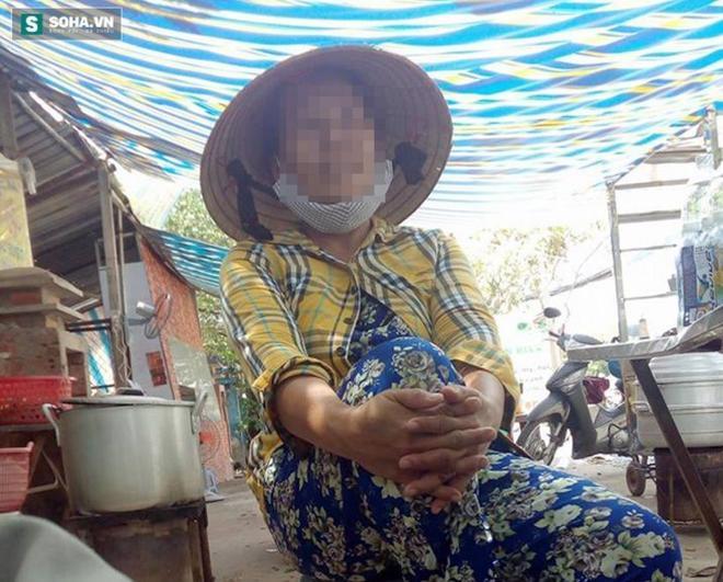Bà S. – người bán nước trước hiện trường vụ nghi vấn thanh niên sàm sỡ nữ sinh.