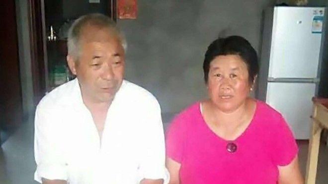 Vợ chồng ông Úc Quang Huy và bà Đinh Xảo Vinh. Ảnh: SCMP.