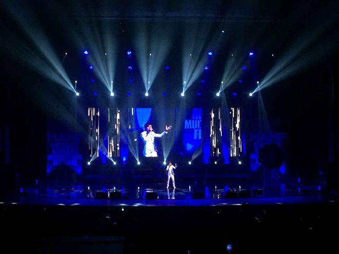 Đan Trường đã biểu diễn 2 ca khúc Đi về nơi xa (nhạc sĩ Lê Quang ) và Gọi tên Việt Nam (nhạc sĩ Châu Đăng Khoa).