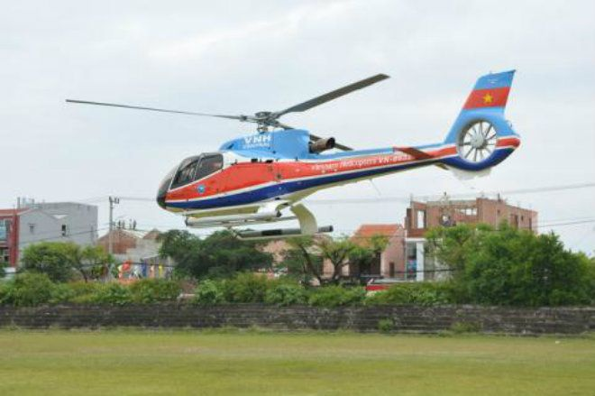 Chiếc máy bay EC 130-T2 số hiệu 8632 của Tổng Công ty trực thăng Việt Nam trong một lần bay. Ảnh Dân Việt.