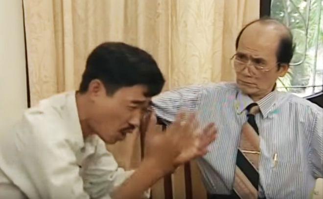 Bộ đồ sơ mi hoặc áo vét gọn gàng, cravat cùng cặp kính trắng, hình tượng Phạm Bằng trên phim luôn lịch lãm như vậy.