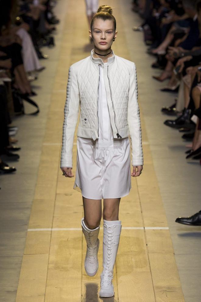 Dior tôn thờ sáng tạo và phản đối see now buy now.