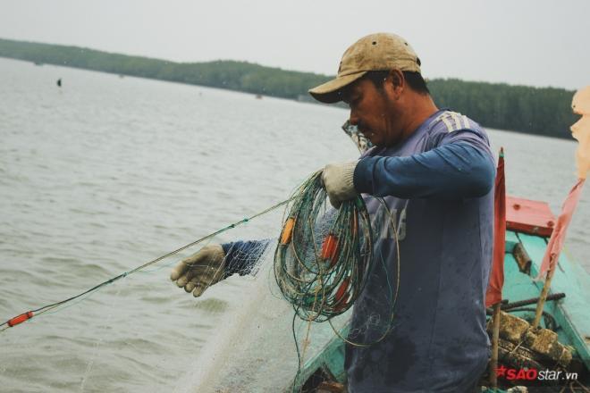 Lao đao nghề biển và cái tình của người chài lưới ảnh 3