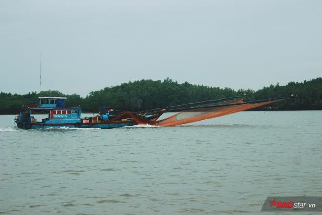 Lao đao nghề biển và cái tình của người chài lưới ảnh 12