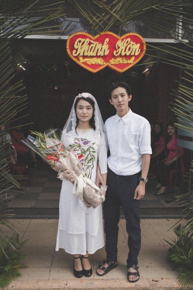 """Cặp đôi """"thời bao cấp"""" – Thùy Trang – Anh Hùng."""