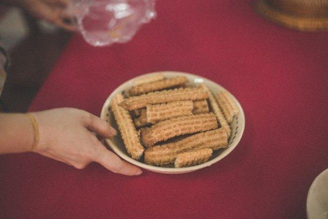 … cho đến đồ ăn, cô dâu chú rể đều lựa những món đồ đậm chất cổ điến.