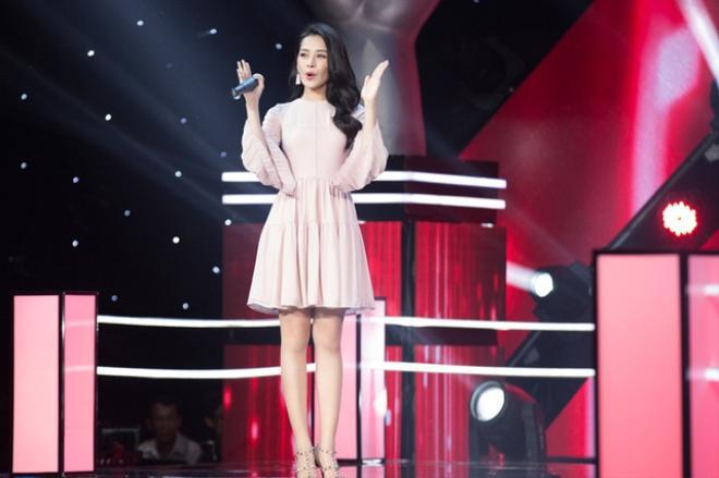 Chi Pu duyên dáng, trẻ trung trên sân khấu Giọng hát Việt nhí.
