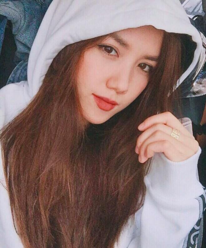 Dàn em gái sao Việt vừa xinh vừa sang chảnh thế này bảo sao nổi tiếng chẳng kém hot girl! ảnh 12