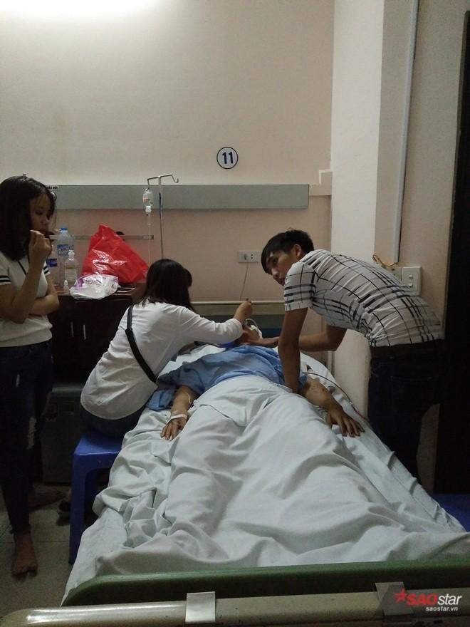 Quân cũng bị thương nặng.