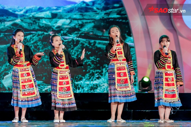 Rời cuộc thi The Voice Kids 2016, 4 cô học trò của Noo Phước Thịnh tỏ ra khá tự tin khi trình diễn trên một sân khấu lớn khác.