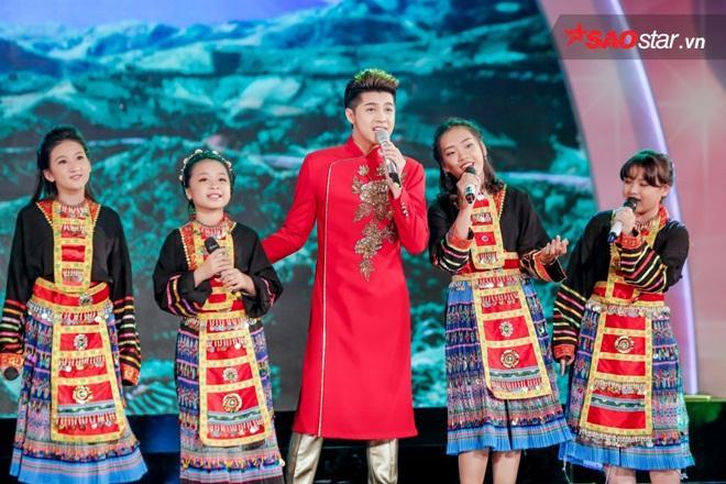 5 thầy trò hòa giọng với ca khúc Đi học.