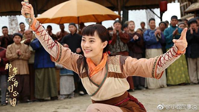 Vai diễn Châu Doanh trong Năm ấy hoa nở trăng vừa tròn là một khảo nghiệm mới mẻ của Tôn Lệ.