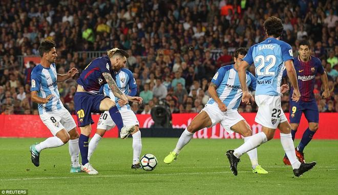 """Barca chơi bóng thanh thoát như Lăng Ba Vi Bộ với Messi thể hiện giống đòn sát thủ mang tên """"Lục Mạch Thần Kiếm""""."""