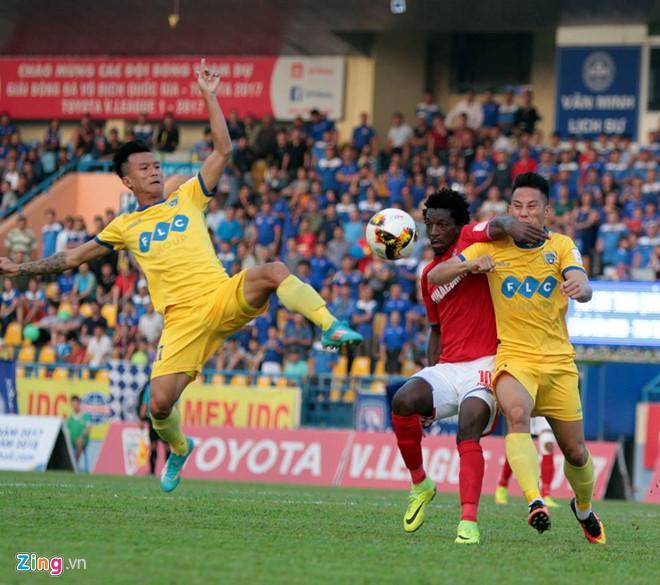 Thanh Hóa thua ngược 3-4 trước Quảng Ninh. Ảnh: Zing