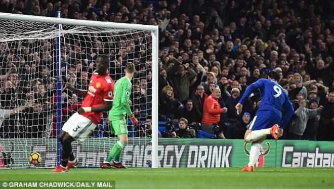 Bàn thắng của Alvaro Morata (9) cho Chelsea là hệ quả tất yếu từ sai lầm của Mourinho.