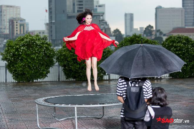 Phương Linh nhận được nhiều lời khen ngợi từ các HLV và nhiếp ảnh gia.