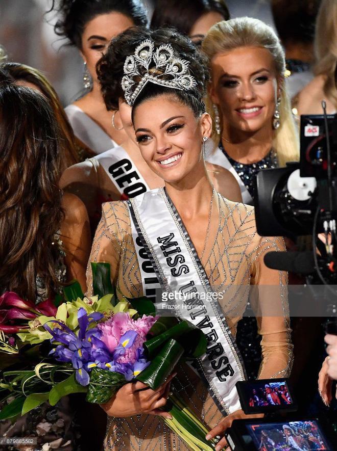 Tân Hoa hậu Hoàn vũ Thế giới người Nam Phi.