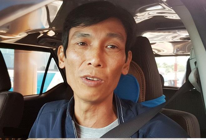 Tài xế Nguyễn Hoài Tâm không chịu mua vé qua trạm BOT Sóc Trăng. Ảnh: Việt Tường.