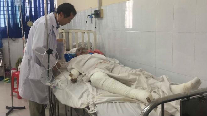 Anh Phong bị bỏng nặng nhất đang được điều trị tại bệnh viện.