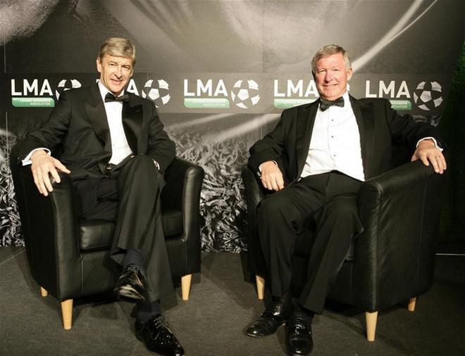 Ông Wenger và Sir Alex là hai tượng đài của giải ngoại hạng Anh.