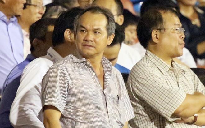 Bầu Đức cho rằng ông Nguyễn Văn Mùi nghỉ thì bóng đá Việt Nam mới phát triển.