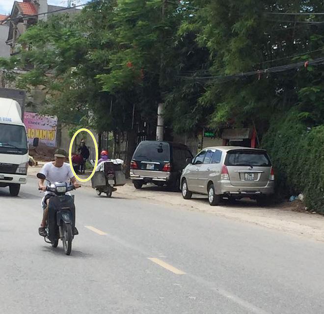 Hình ảnh mới nhất cư dân mạng cung cấp cho Hằng Túi khi thấy Bella xuất hiện ở Vân Tảo (Hà Nội).