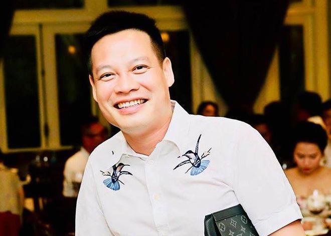 Doanh nhân Đặng Minh Đức đang là người sở hữu sim 0988888888 - một trong những siêu sim số đẹp tại Việt Nam với trị giá hàng tỷ đồng.