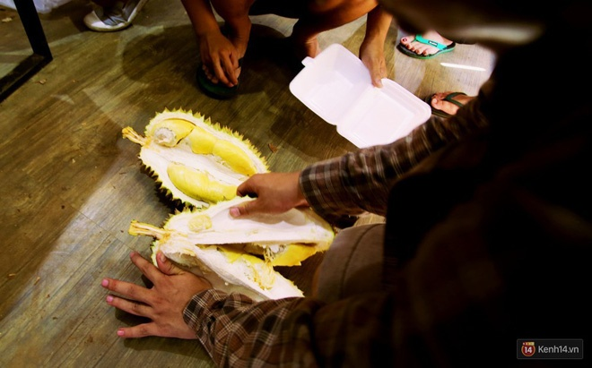 Mốt ăn sầu riêng hot nhất hiện nay: ăn xong trả hạt và đây là những địa chỉ hiếm hoi ở Sài Gòn dành cho bạn ảnh 12